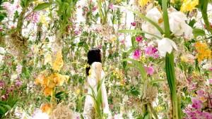 Une exposition interactive composée de 2300 fleurs qui prennent la forme des visiteurs