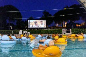 Cette année encore, deux séances en piscine sont proposés pour se faire une toile à la fraîche