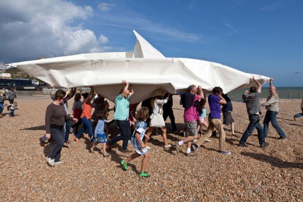 Frank Bölter réalisera des sculptures participatives en origami avec les participants de la ZAT