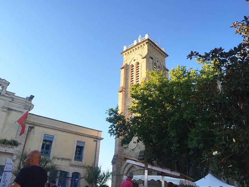 Les Mercredis du Terroir sur la place de la mairie à Pérols