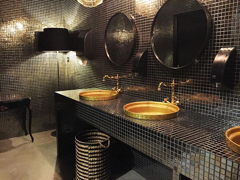 Au Terminal #1 à Montpellier, même les toilettes valent le coup d'oeil côté déco