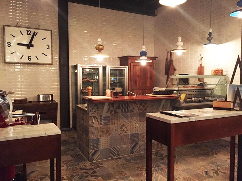 Pour manger, boire un verre ou déguster quelques tapas le Terminal #1 est la nouvelle adresse bistronomique de Montpellier by les Frères Pourcel