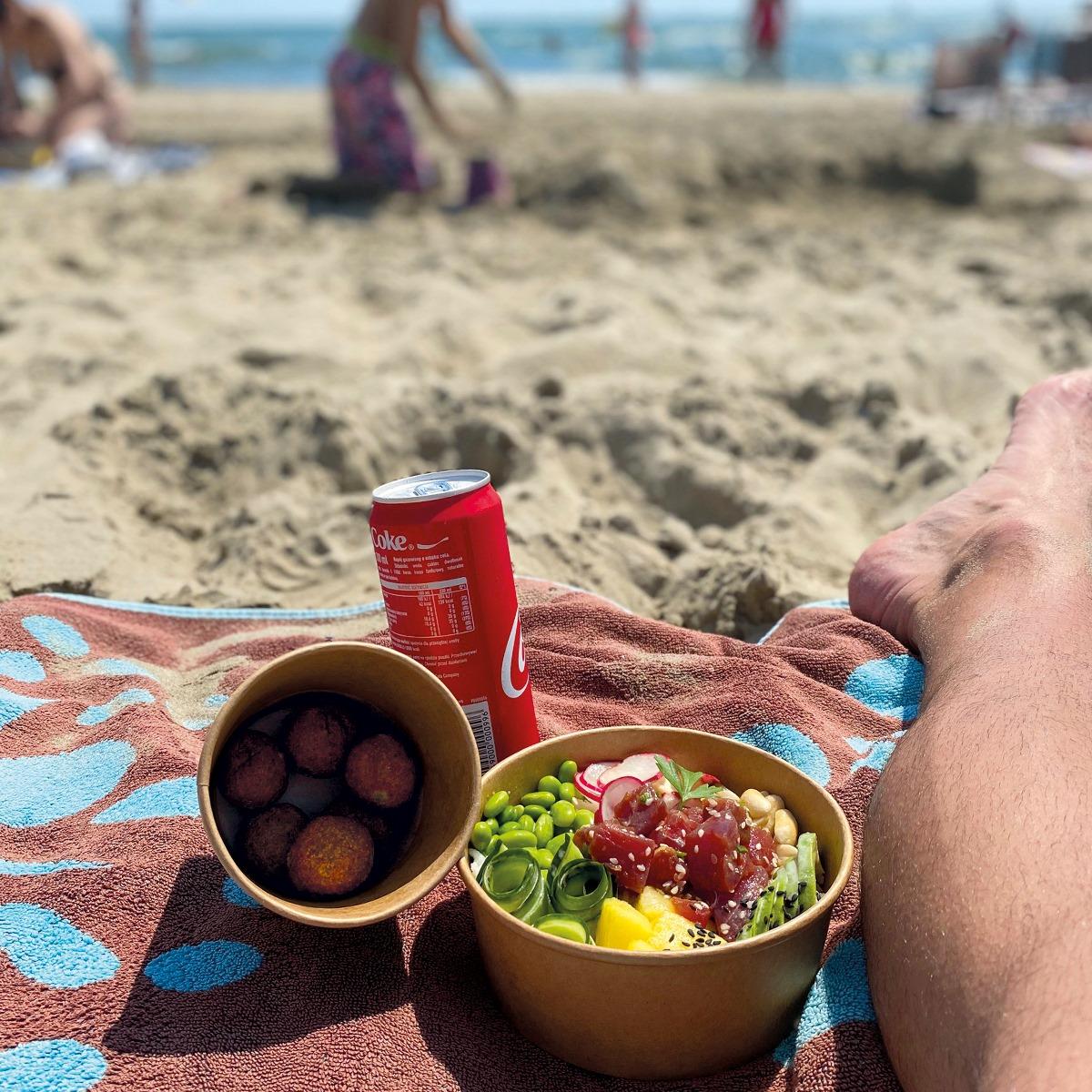 L'appli ChouChou va venir faciliter vos repas sur les plages de l'Hérault et du Gard : elle permet de se faire livrer en un clic sur sa serviette !
