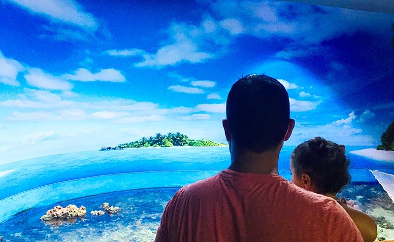 découvrir l'espace lagon dans les bras de papa