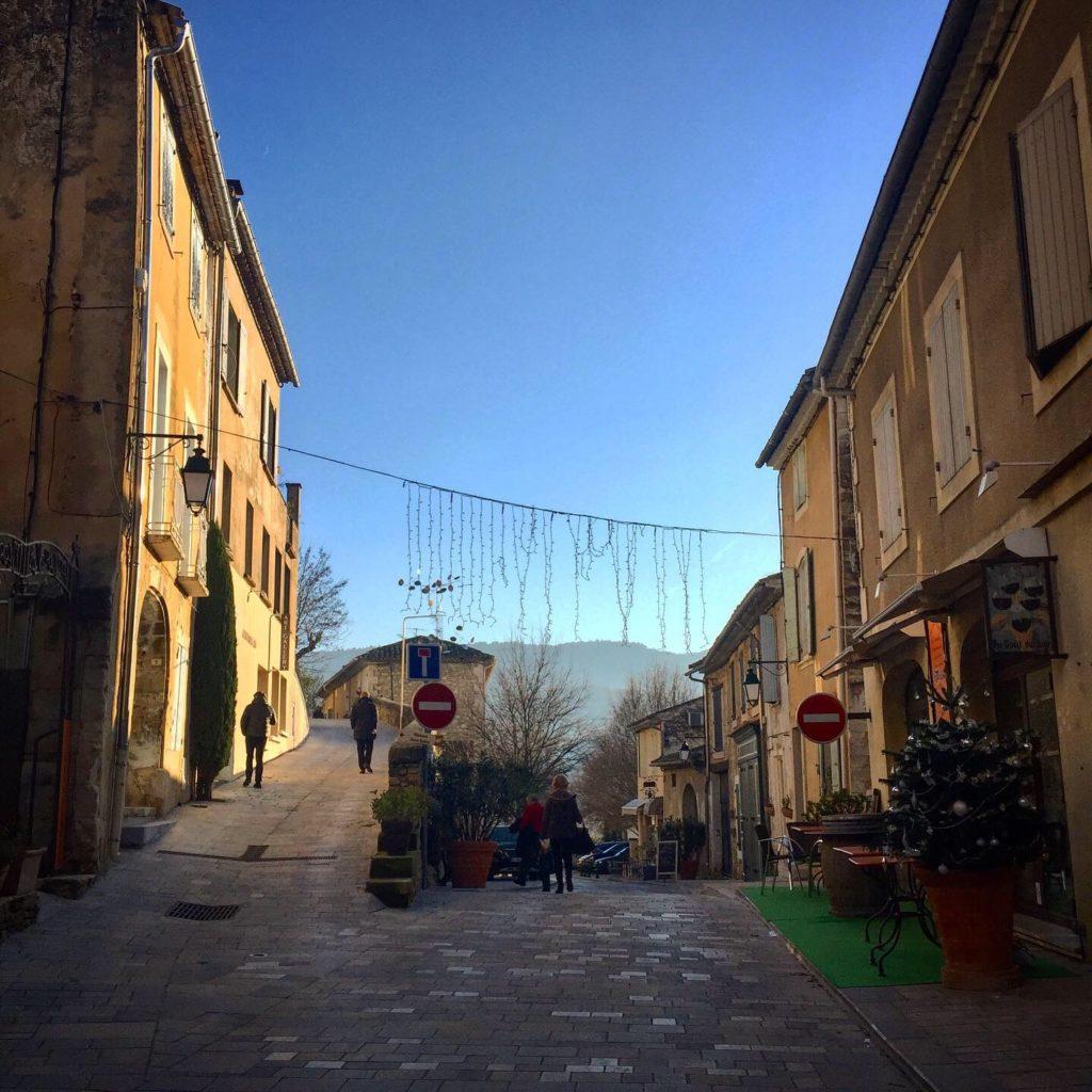 Balade dans les rues de Ménerbes